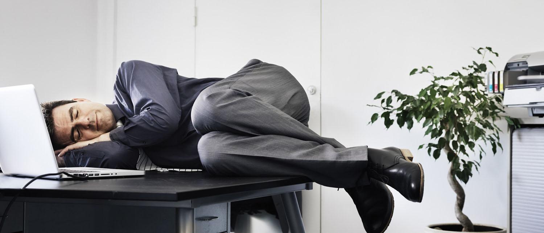 Что делать, если работодатель заставляет уволиться по собственному желанию? Куда обратиться с жалобой и защитить свои права? Свои рекоменадиции дают опытные юристы по трудовому праву.
