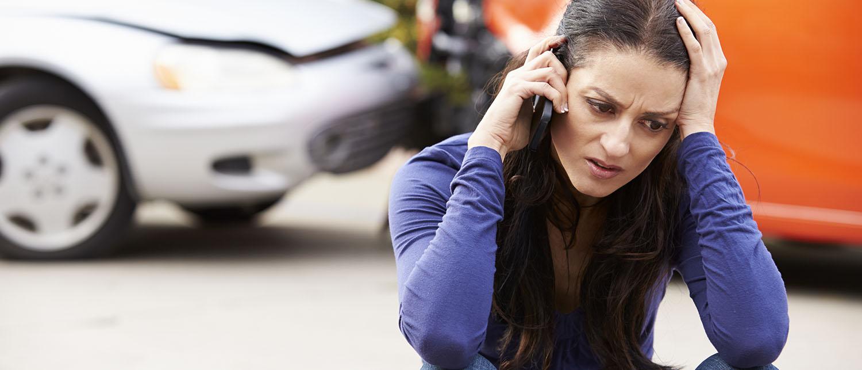 Что делать, если произошло ДТП, а виновник без ОСАГО? Как поступить, если вы оказались потерпевшим, а ваш полис ОСАГО просрочен? Куда обратиться и как взыскать ущерб, причиненный в ДТП без страховки? Расскажут наши автоюристы.