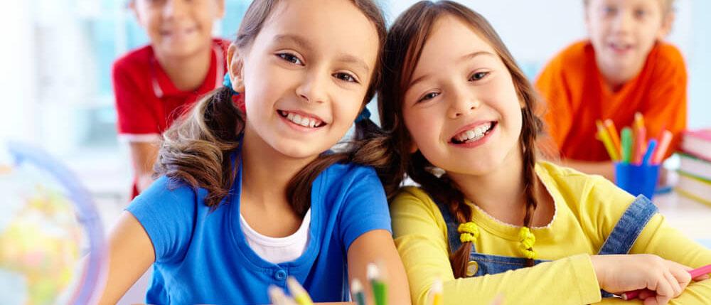 Во сколько обойдется собрать ребенка в школу в 2018 году? Какие товары для школьников нужно покупать, а от каких вправе отказаться? Какую помощь оказывает родителям первоклассников государство? Читайте на kodeks-pravo.ru
