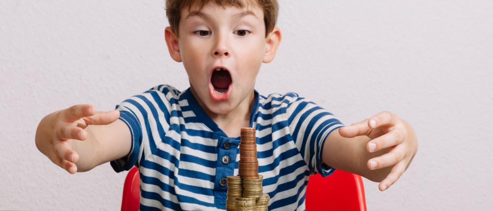 Что такое налоговый вычет на ребенка? Кто имеет право на его получение? Как получить налоговый вычет по НДФЛ на детей? Какие документы нужны и куда их подать, чтобы оформить вычет? Расскажем в нашей статье