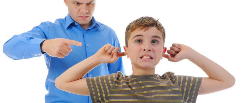 Ограничение родительских прав: основания и порядок.