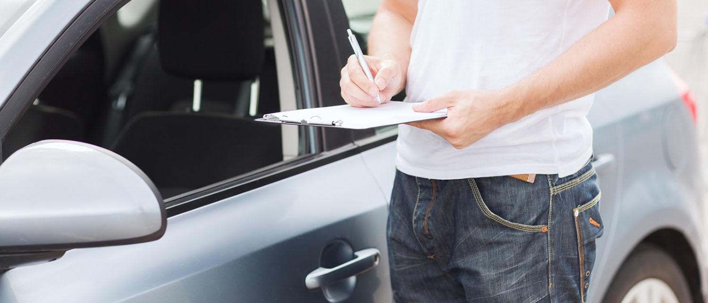 В каких случаях могут отказать в страховой выплате по Каско или ОСАГО? Как себя вести в случае отказа? Можно ли осоприть решение страховой компании? Узнайте из нашей статьи.