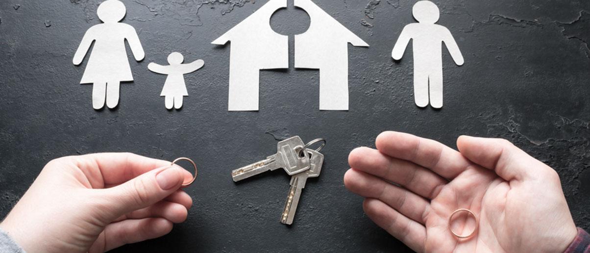 Как оформить и получить решение суда о разводе? Для чего нужна выписка о расторжении брака? Какие документы нужны для расторжения брака через суд? Узнайте о нюансах развода через суд у наших юристов.