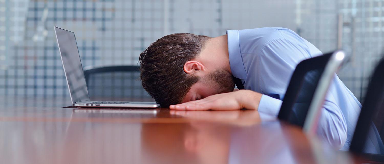По каким основаниям работодатель может уволить? Каким законом он должен руководствоваться? Кого нельзя уволить? Какие документы необходимо оформить при увольнении? Читайте в нашей статье.